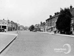 """Kingston Road: section from """"Dave's Garage"""" looking west"""