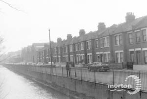 Wandle Bank, No.s. 51-34, Colliers Wood, looking south