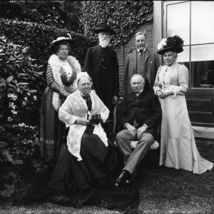 G36-048-09 Major and Mrs Palmer of Brook House, Eardisley and guests.jpg