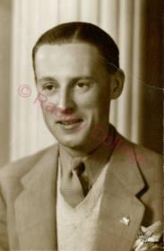 WW2 HowardJ097