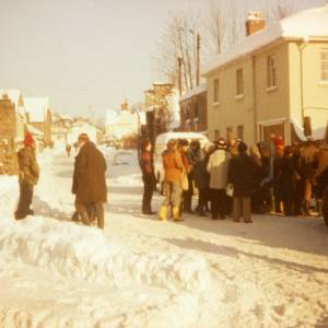 RGR020 - Over Ross Street, Ross-on-Wye Snow Pictures from the 1980's.jpg