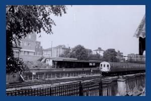 Wimbledon Station, Trains leaving