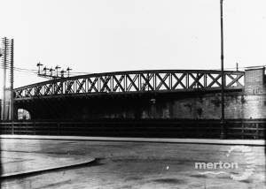 Skew Bridge, Approach Road, Raynes Park,