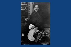 Mrs Lossy, Flower seller