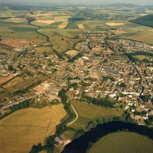 Li14980e Aerial photo of Ross-On-Wye 1989.jpg
