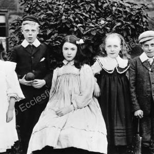 Edwardian group of children.jpg