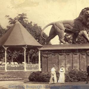 Forbury Gardens, Reading, 1904; there is a band in the bandstand