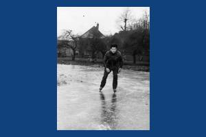 Skating on the pond:  Cranmer Green, Mitcham