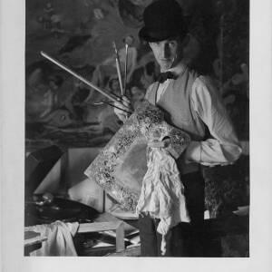 682 - Trevor Makensen with paint brushes & palette