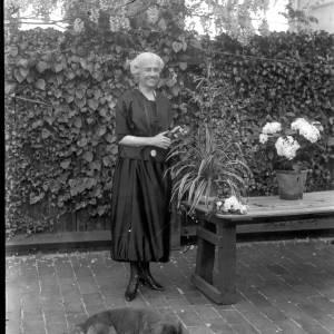 G36-330-06 Older lady in garden.jpg