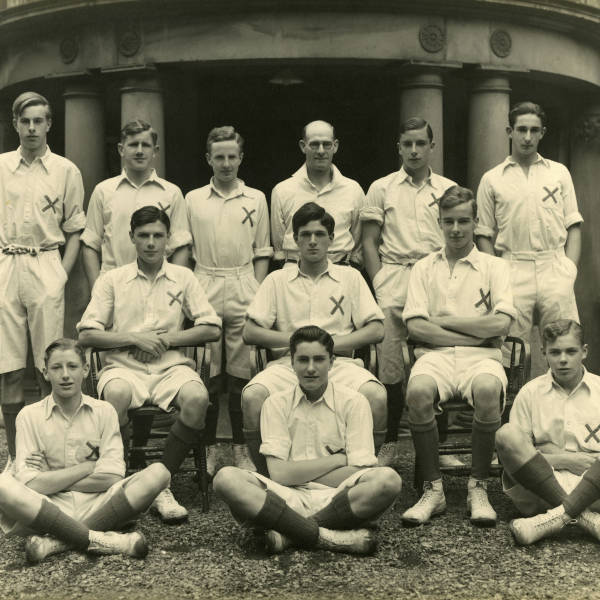 Cricket_1937_Loretto-1st-XI.jpg