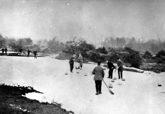 Wimbledon Common: Curling on the Frozen Ponds