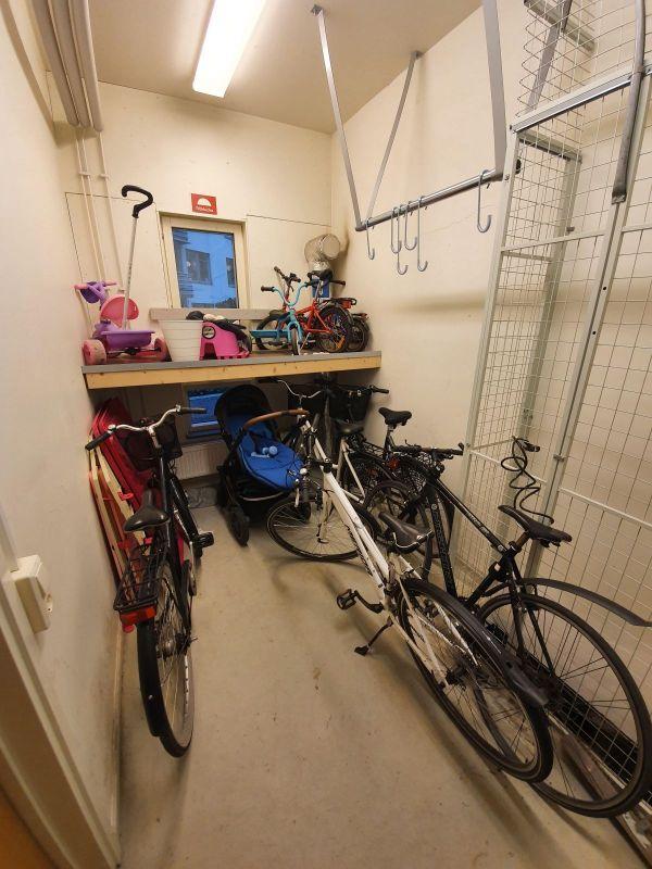Rensning av cykelförråd
