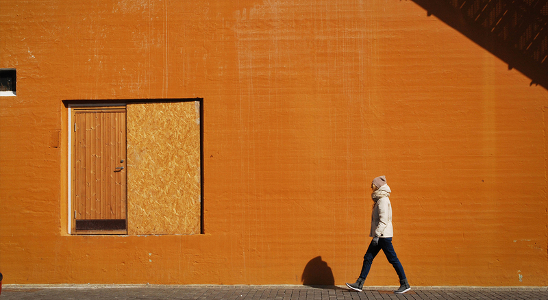 turuncu duvar