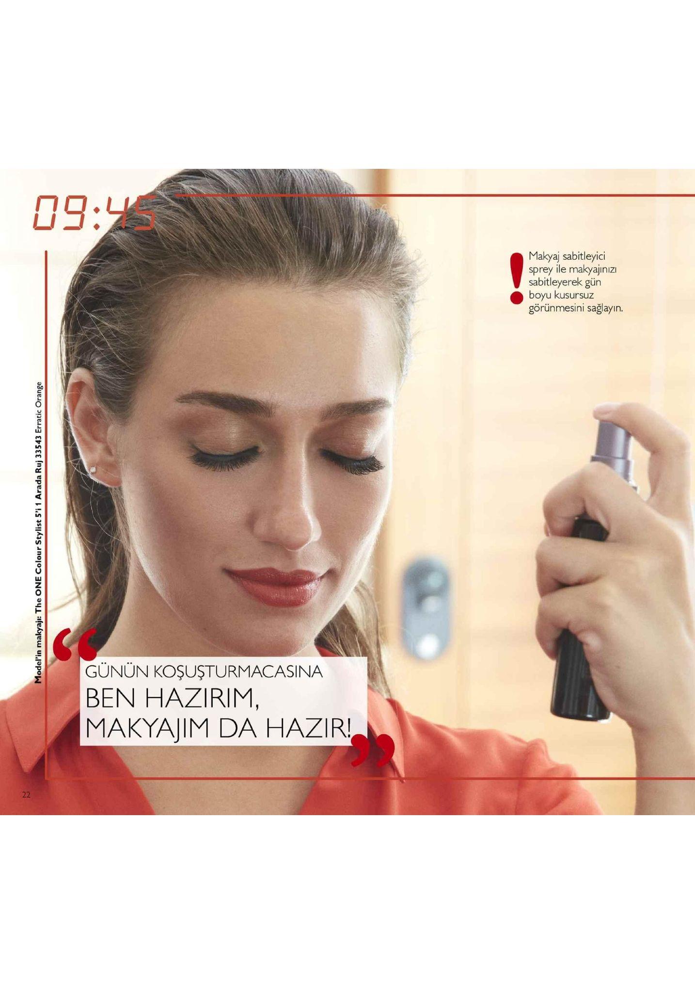09:4s makyaj sabitleyici sprey ile makyajinizi sabitleyerek gün boyu kusursuz görünmesini sağlayın. cs gunun koşuşturmacasina ben hazirim, makyajim da hazir!