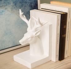 amadeus_hygge_bookends_deer_polar_scandinavian