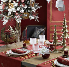amadeus_christmas_table_red_winter