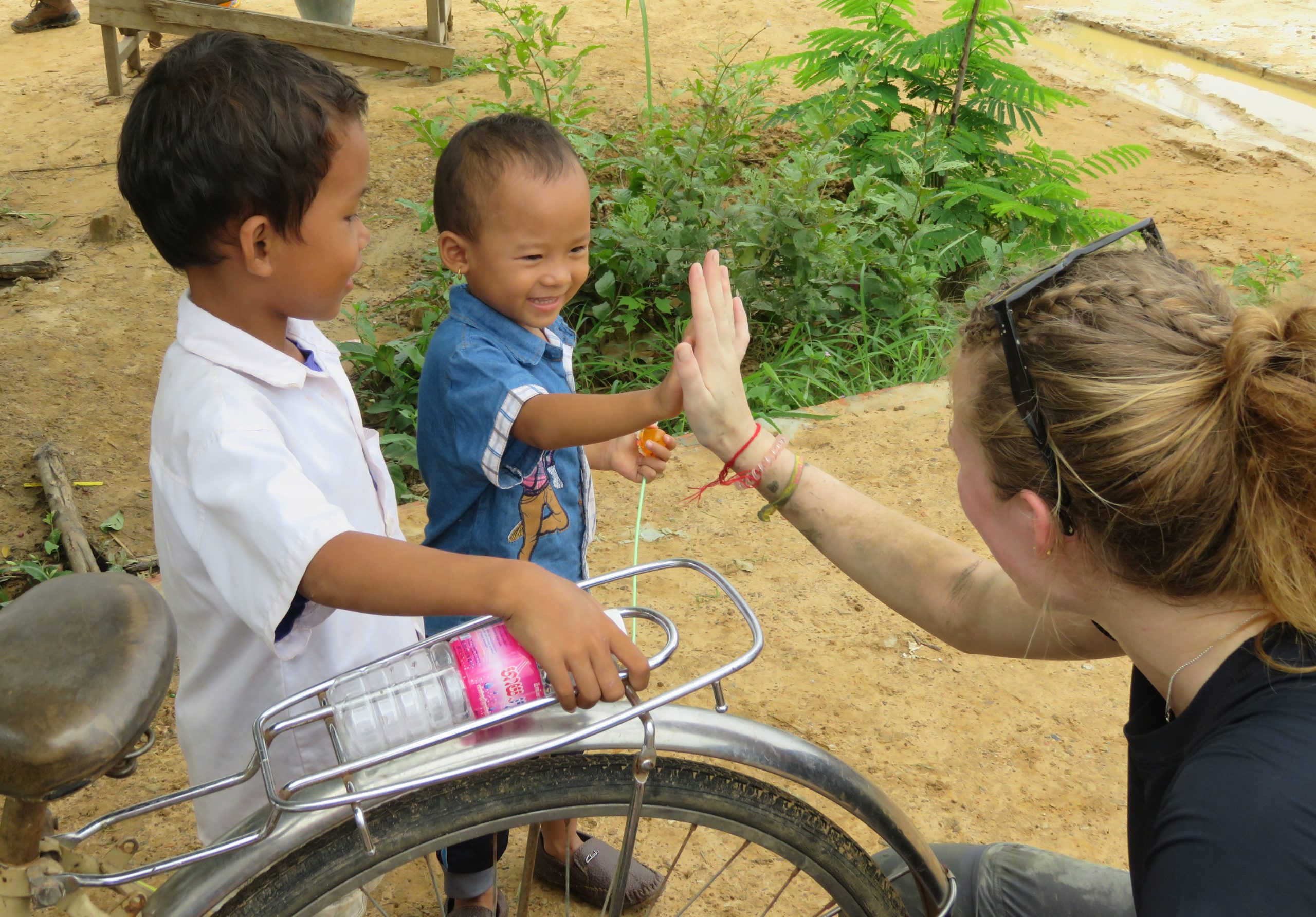 school_expedition_cambodia_impact_high_five