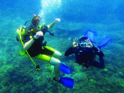 school_expedition_ecuador_scuba_underwater_diving