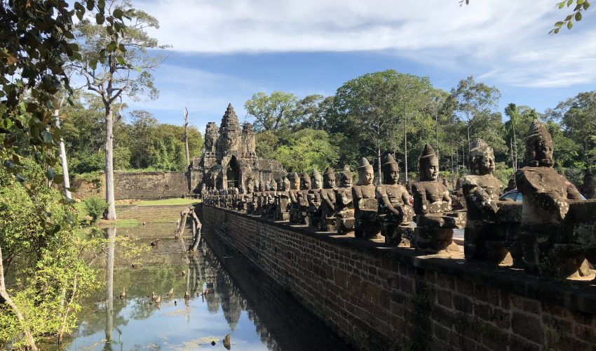 school_expedition_cambodia_impact_angkor_thom