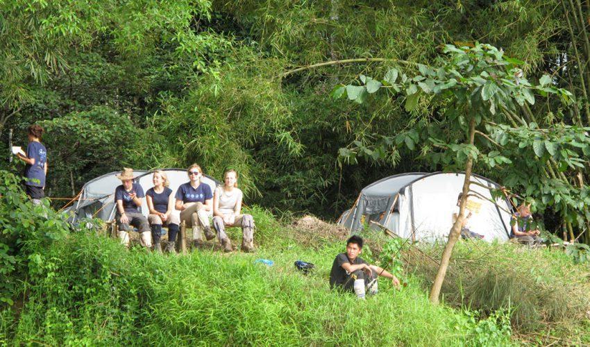 school_expedition_borneo_trek_camp_tents