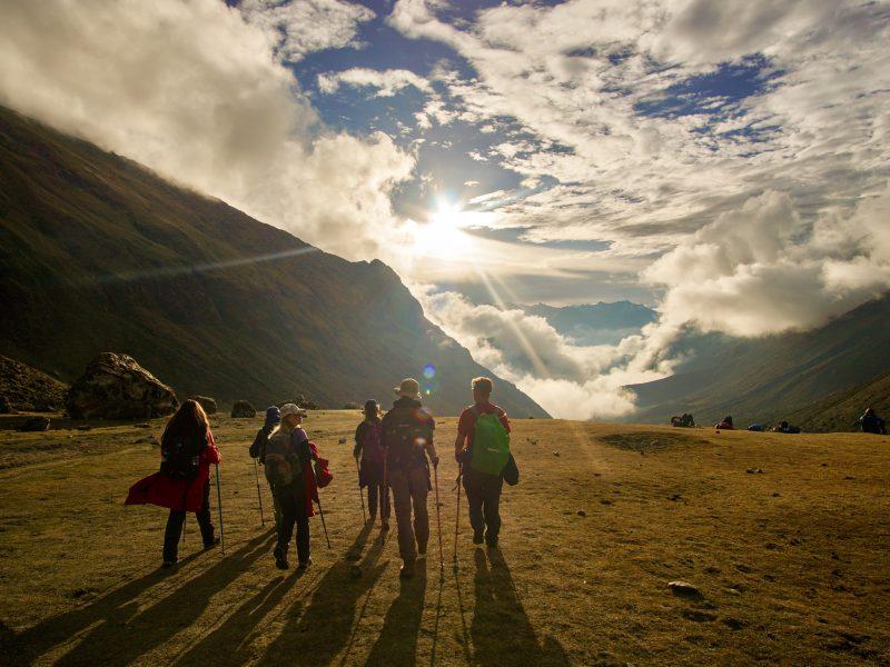 school_expedition_peru_trek_sunset_walk-2