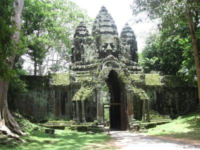 school_expedition_cambodia_trek_jungle_temple-2
