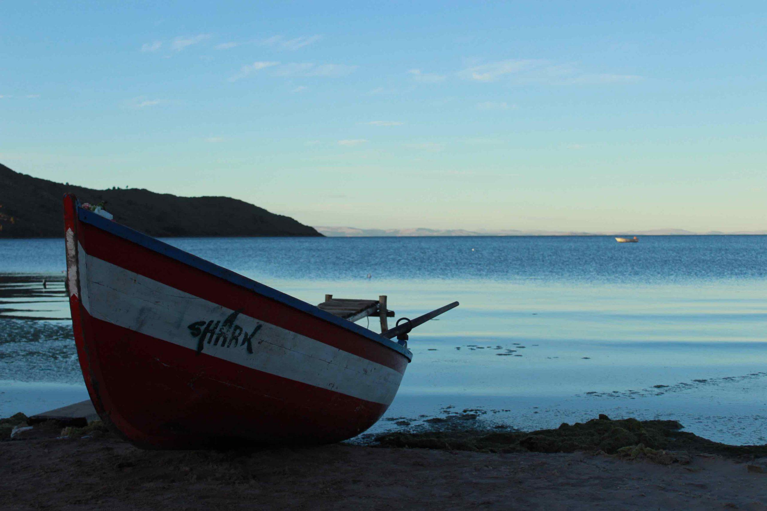 school_expedition_peru_trek_lake_titicaca