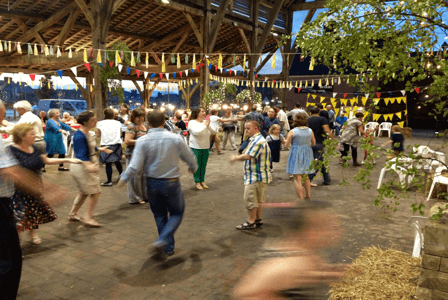 school_expedition_fundraising_barn_dance-1