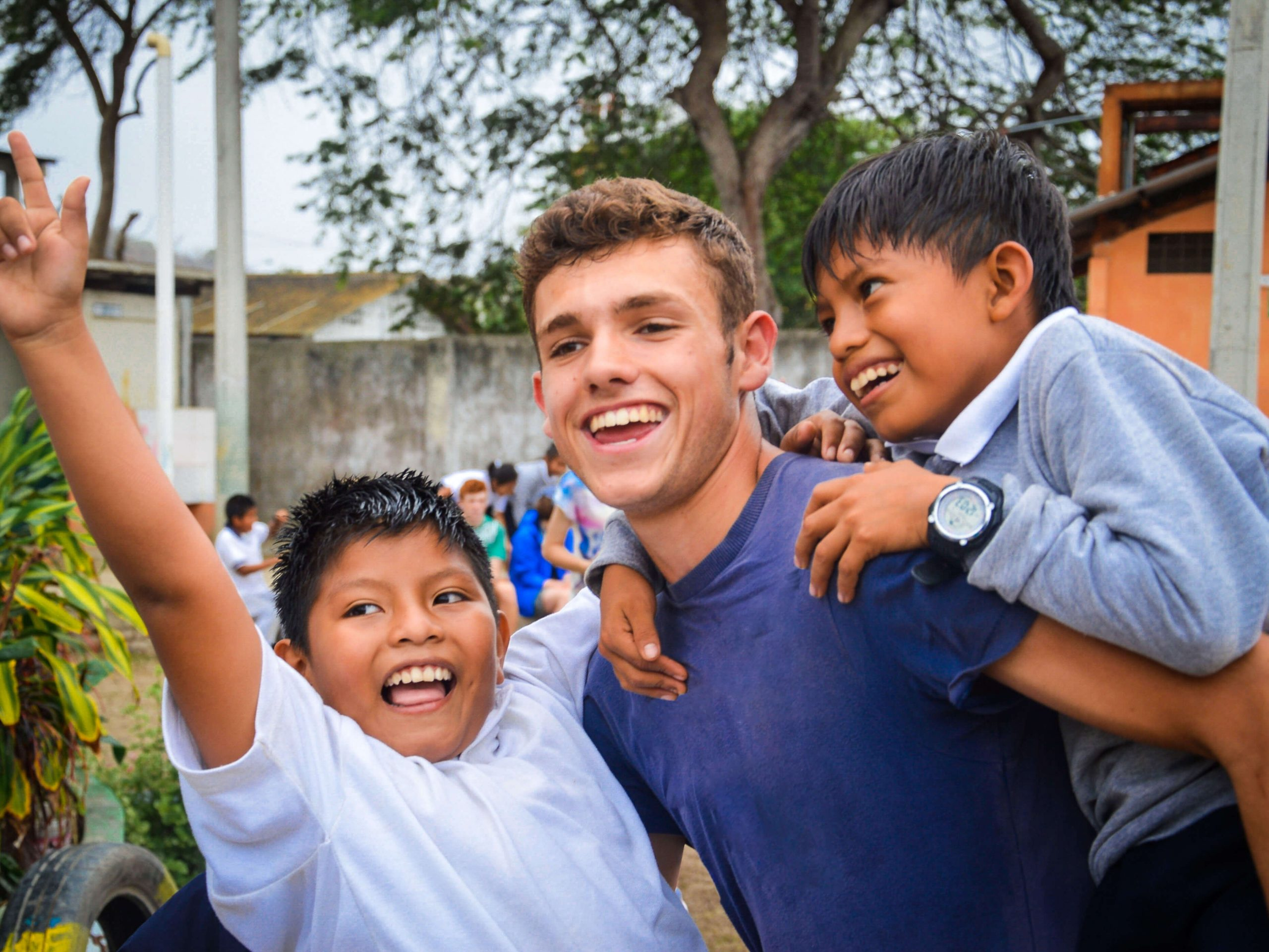 school_expedition_ecuador_impact_piggyback-1
