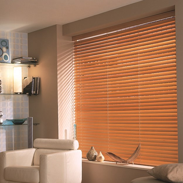 Dark Pine Wooden Venetian Blind