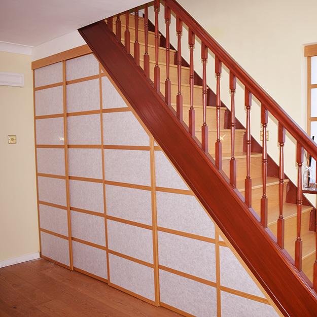 Cream White Staircase Shoji Blind