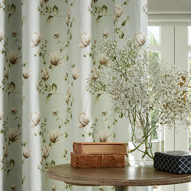 White Rose Pattern Curtain