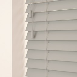 Marlin wood venetian blind