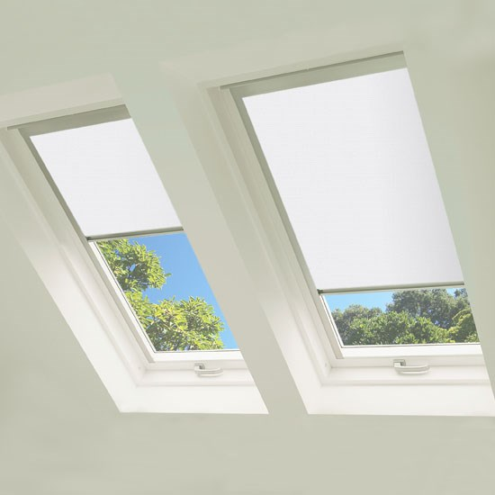 Excel MO8 Roof Blind in White