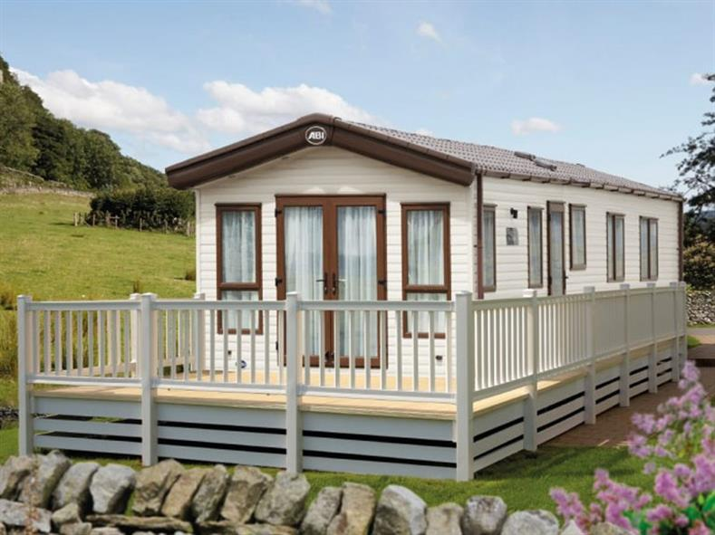 ABI-HOLIDAY-HOMES-THE-AMBLESIDE-EXTERIOR-2016