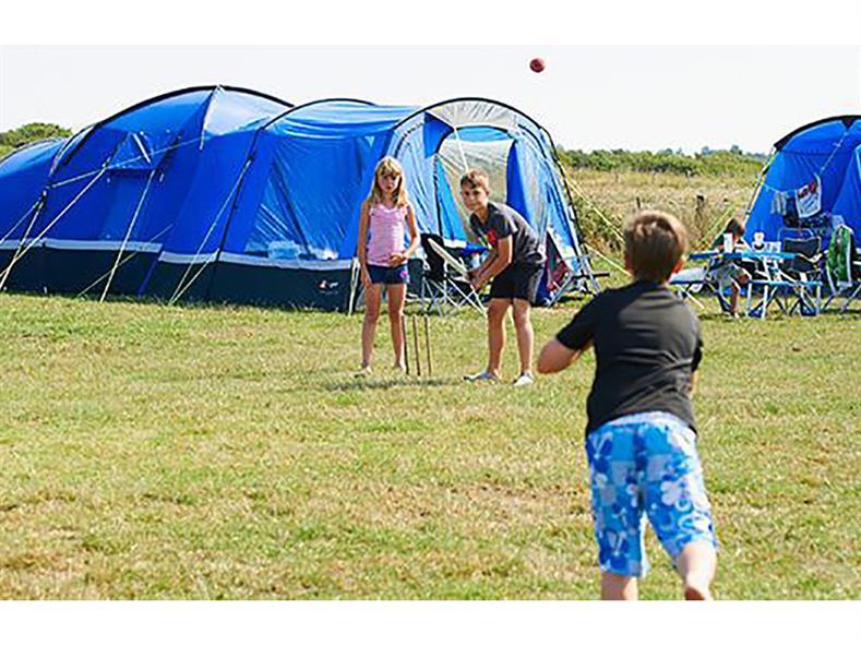 campingnonelecpitchgrass3