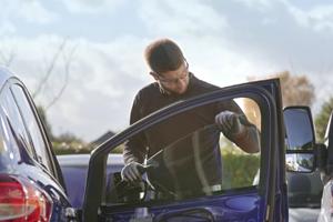 49-reparer-vitre-laterale-pare-brise-impact