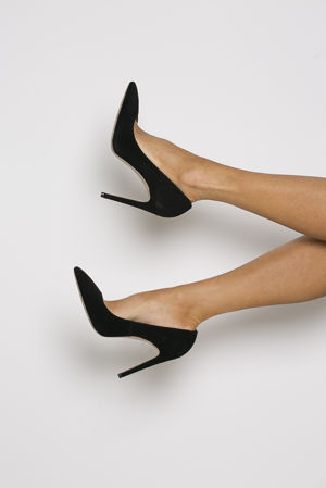 Penelope Suede Court Shoe in Black