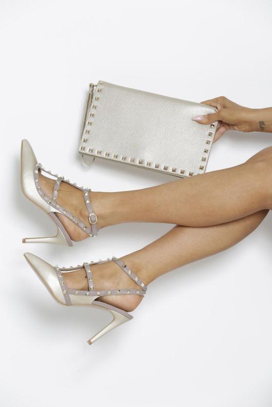 Studded Heels in Gold Matte