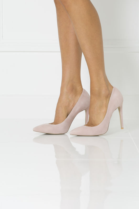 Penelope Suede Court Shoe in Pink