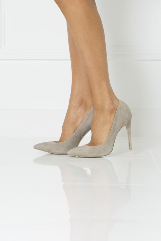 Penelope Suede Court Shoe in Mink