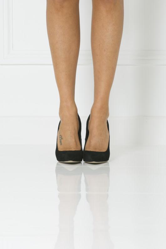 Penelope Suede Court Shoe in Black