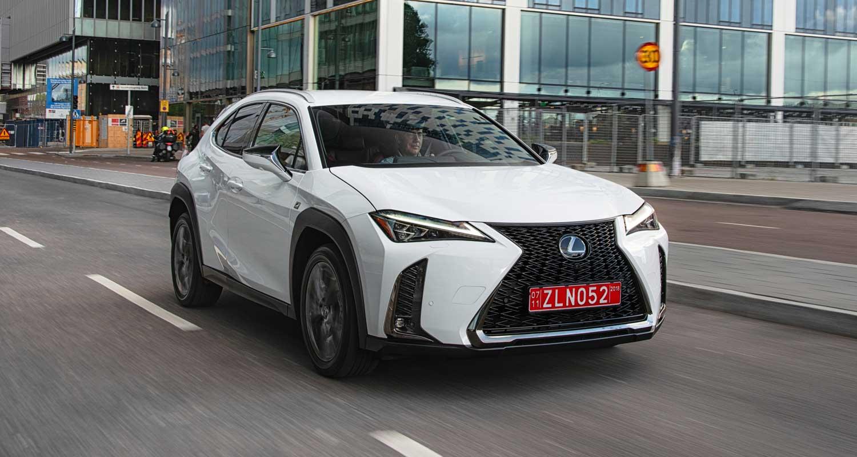 Lexus UX frontal
