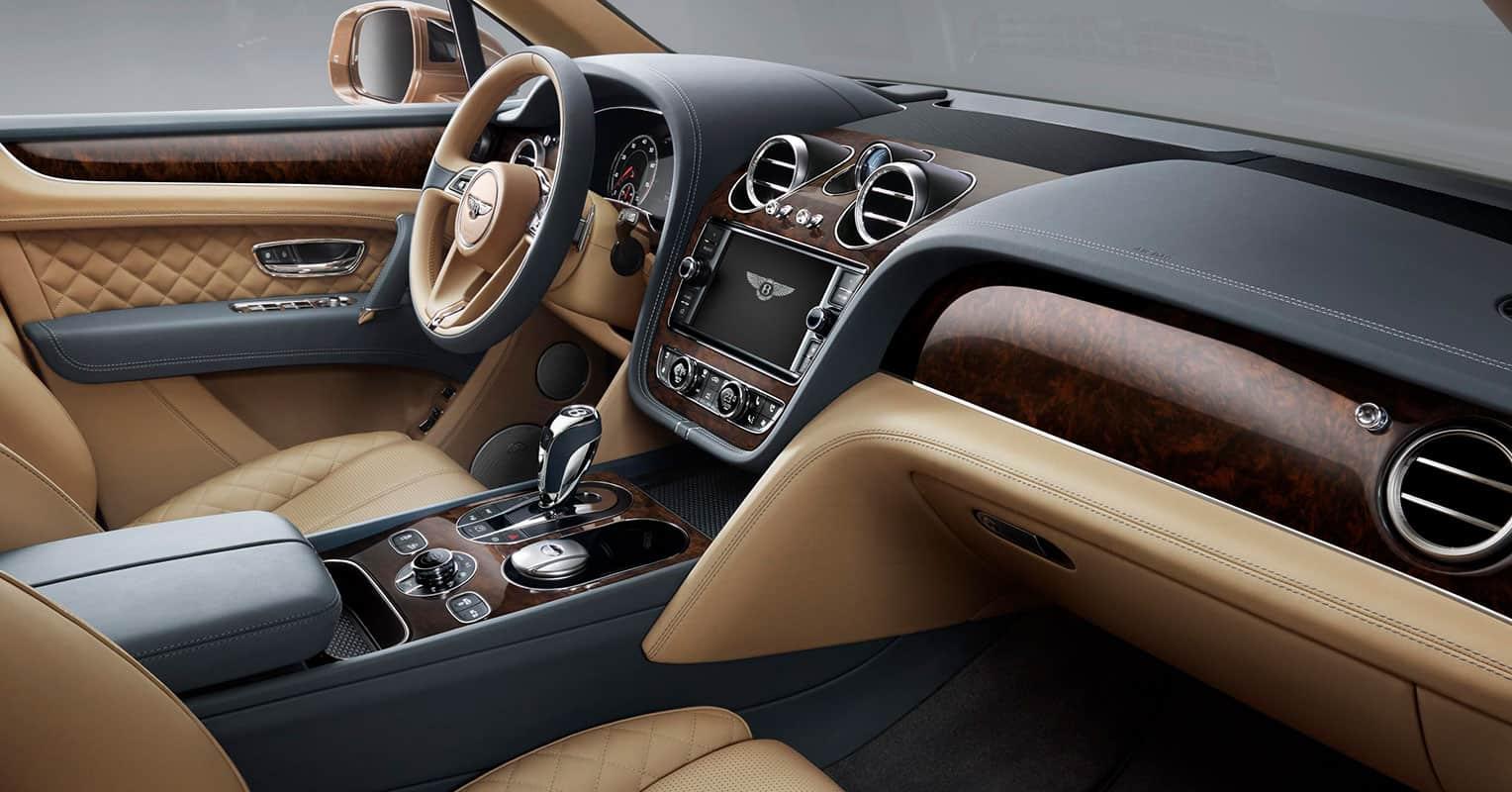 Interior Bentley Bentayga Carnovo