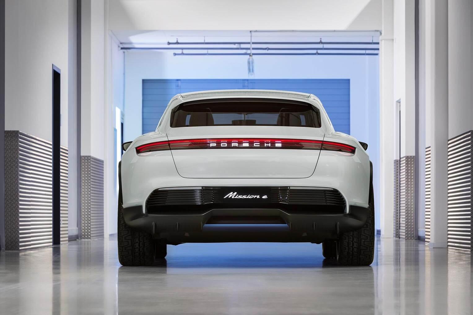 Porsche Mission E Cross Turismo Trasera