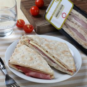 Carrefour sandwicht nórdico mixto de 160g.