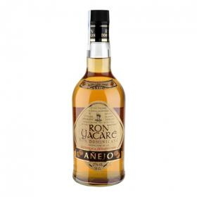 Carrefour ron añejo de 70cl.