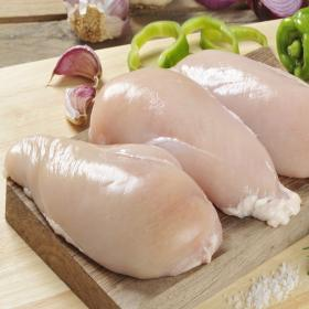 Carrefour pechuga pollo entera familiar de 1,1kg. en bandeja