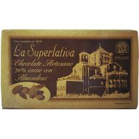 Superlativa chocolate 70% cacao con almendras tableta de 200g.